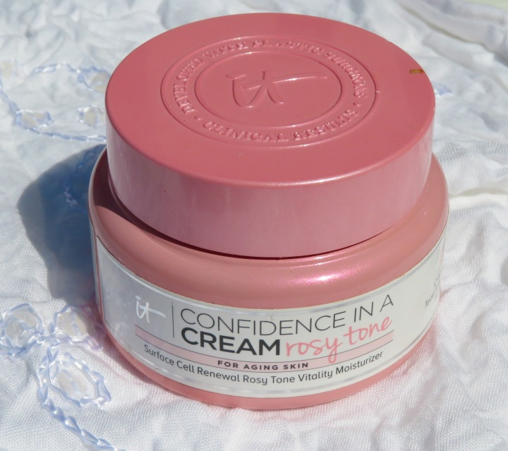 Time To Glow – IT Cosmetics Confidence In A Cream Rosy Tone Review