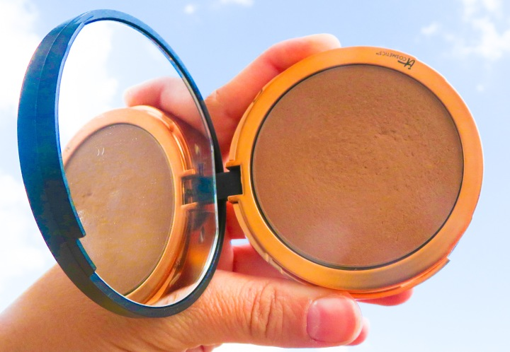 Summer Ready! IT Cosmetics Bye Bye Pores Bronzer Review + Swatches