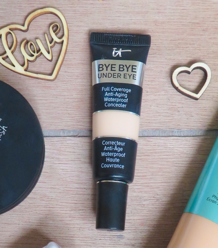 IT Cosmetics Bye Bye Undereye Review