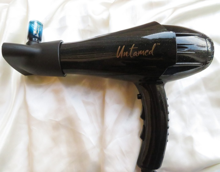 Untamed Defrizz Wave Tame Hairdryer Review